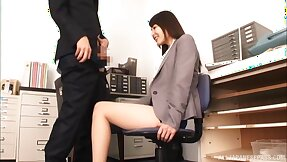 Japan hottie sucks dick at work and pleases the boss by swallowing